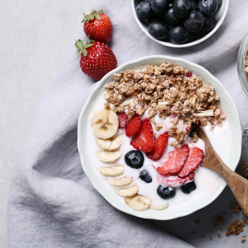 Granola or muesli with soy or other non-dairy yogurt